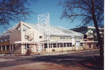 Konsumi ehitus, aprill 2002