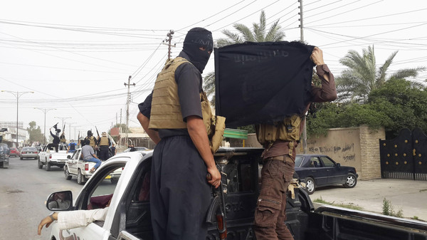 In Tabaqa City, Patrols of Military Police Pursue Foreign Fighters