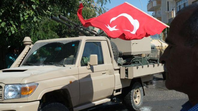 ما مصير عناصر تنظيم الدولة الذين ترحلهم تركيا؟