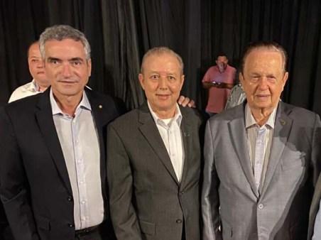 Hercílio Diniz, José Maria Facundes e o deputado Mauro Lopes - Coquetel de abertura Coelho Diniz em Caratinga - Fotos Emmanuel Franco (5)