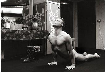 Sting le yogi
