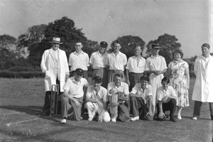 25. Cricket. Rasen Mail glass neg. 025