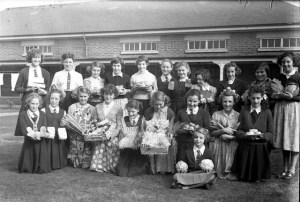 43. School. Rasen Mail glass neg 043