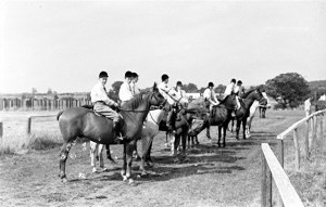 70. Pony Club. Rasen Mail glass neg 070