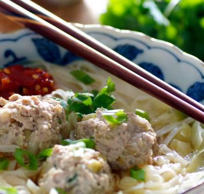 thai meatballs with noodles recipe by rasoi menu