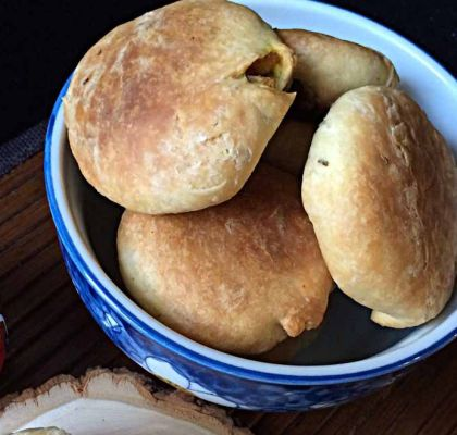 Tuvar Lilva Kachori Recipe