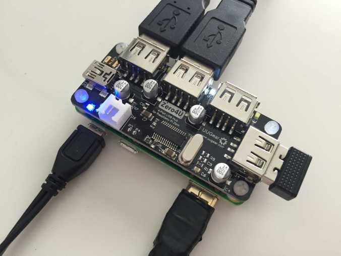 Raspberry Pi Zero with UUGear's Zero4U 4-port USB hub connected
