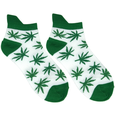 Groovin Green Hemp Leaf Ankle Socks