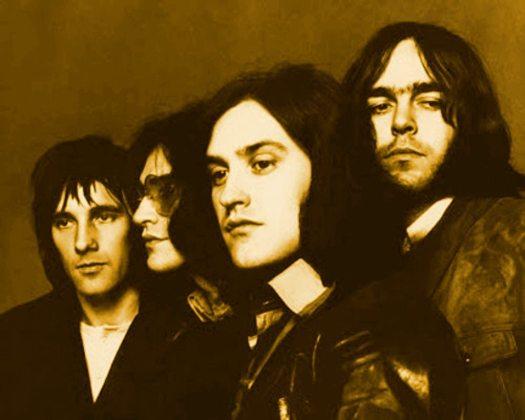 Arthur album: black & white photo of the Kinks 1969 tinted brown.