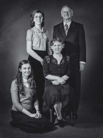 Photo of Abby Matt as Anne Frank, Giverny Burke as Margot Frank, Dimity Eveleens as Edith Frank and Ian Robinson as Otto Frank