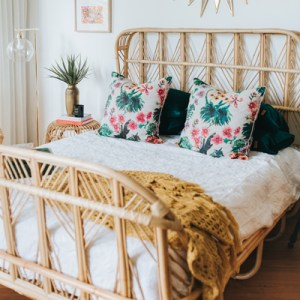 luxe queen rattan bed