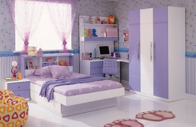 purple-day-bed