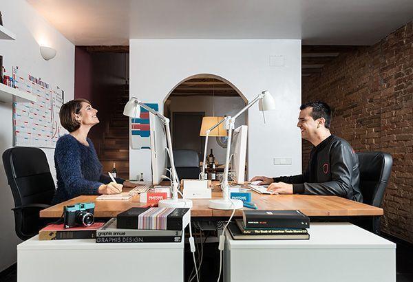 Imagen corporativa muy desenfadada tomada en el estudio de Blou and Rooi