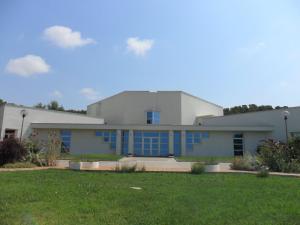 Vista exterior del Templo, del la Escuela Internacional de la Rosacruz Áurea – Lectorium Rosicrucianum