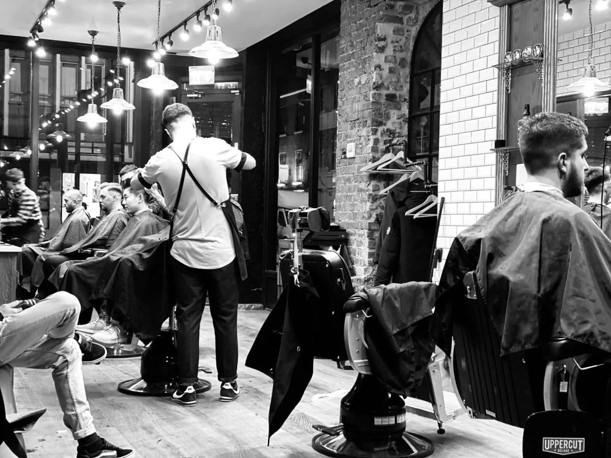 London Bridge Barbers - guillotine