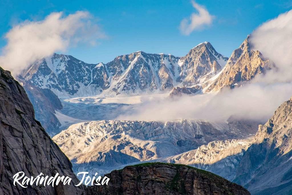 The Glacier view as we hike downhill towards Chhatru campsite