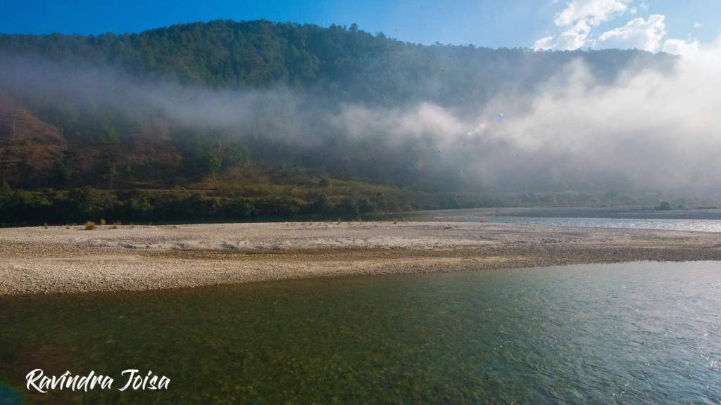 Punakha Mo Chu River early in the morning, view from campsite