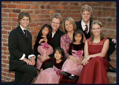 Steven Curtis Chapman Family | (Left to right Will Franklin, Maria, Steven, Shaoey, Mary Beth, Stevey Joy, Caleb and Emily)