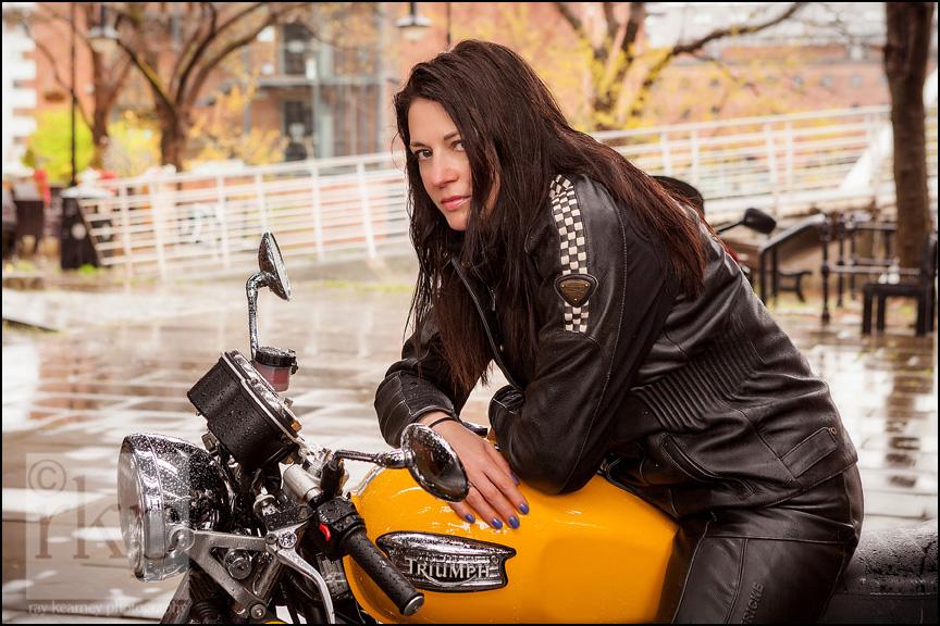 Curvy Riders 012
