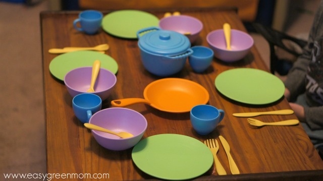 Green Toys Cookware & Dining Set Review