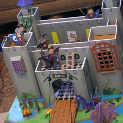 Krooom Arthur Knights Castle Playset Review & Giveaway! Ends 01/27.