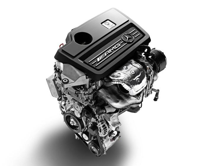 2013-Mercedes-Benz-A45-AMG-14