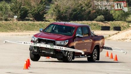 2017 Toyota Hilux - teste do alce
