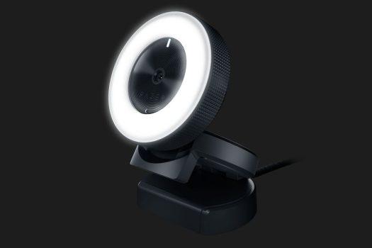 レンズ周りの12個のLEDライトは明るさ調整も可