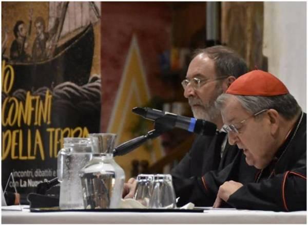 Cardenal Burke con el director de Bussola Cascioli.