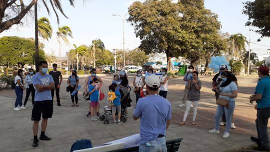 Ciudadanos provida en la Plaza del Estudiante de Santa Cruz