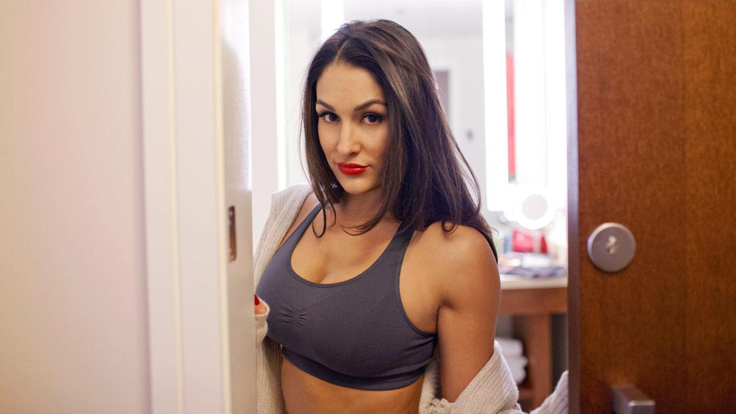 Nikki Bella – Diva Day Off