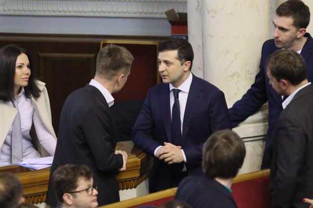 Зеленский угрожал нардепу в Раде: никогда со мной не переходите на личности