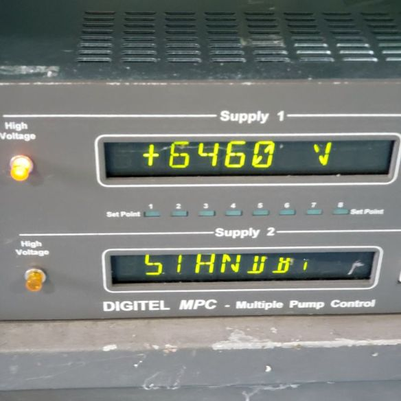 Digitel 500 ion pump control