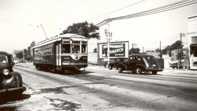 A West Towns streetcar heads east on Cermak Road approaching Oak Park Avenue in Berwyn in the late 1940s. (Photo courtesy of the Illinois Railway Museum Library)