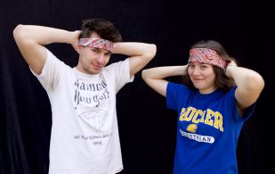 Impromptu exercise session? Pull out your handkerchief and you have a stylish sweatband!