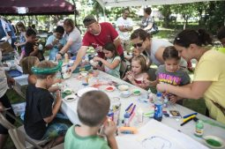 Children make arts and crafts during the 100th Annual Scottish Home Picnic in North Riverside on Aug. 6. | William Camargo/Staff Photographer