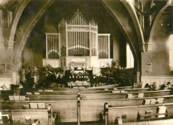 How the organ looked before a major renovation in the 1950s. Those aren't the real pipes; it's an elaborate pipe-like screen. | Provided