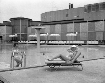 """The Sahara Inn also had an outdoor pool while you could lounge while being served drinks by bikini-clad Sahara Inn """"starlets."""" (Courtesy Liz Faron collection)"""