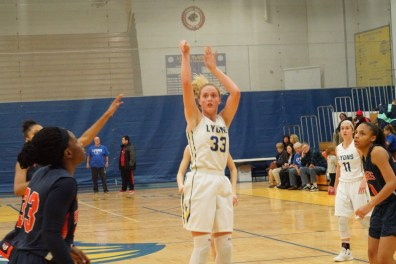 LTHS junior Lily Courier led the Lions to a .500 record during the regular season. She recorded double-doubles in points and rebounds in notable wins against OPRF and Hinsdale Central. (Photo by Carol Dunning)