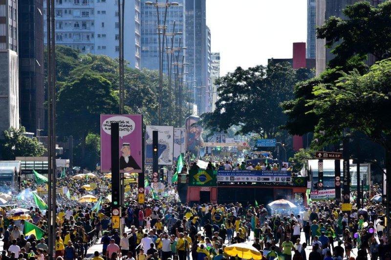 Na capital, o público começou a se concentrar na Avenida Paulista no começo da tarde