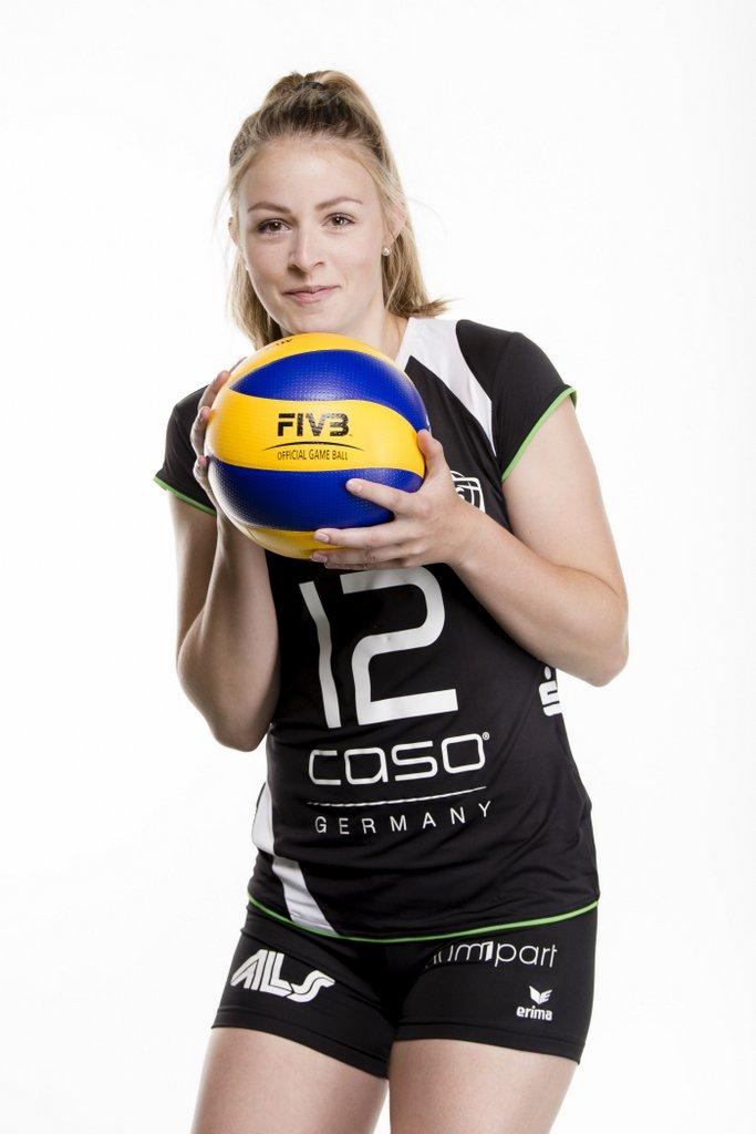 #12 – Vanessa Vornweg