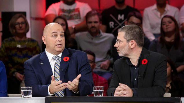 ستيف واترهاوس (إلى اليسار)، خبير في الأمن السيبراني - Radio Canada / Karine Dufour