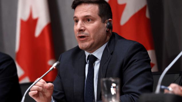 وزير الهجرة الكندي ماركو مندتشينو/JUSTIN TANG / CP