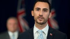 ستيفن ليتشيه وزير التربية في حكومة أونتاريو/Nathan Denette / CP
