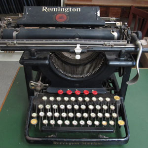 Photograph of an old typewriter (Source of photo - Sheldon Boles)