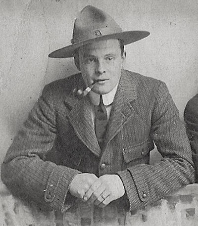 Early photograph of Sidney Floyd (Source of photo - Ric Hall's Photo Collection)