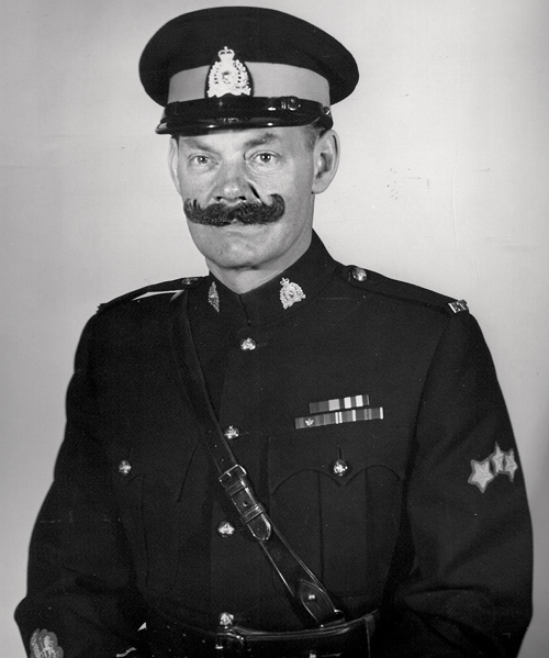 Photograph of CSM Bill MacRae (Source of photo - Ric Hall's Photo Collection).