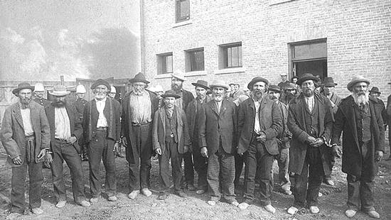 1885 - Photograph of captured Northwest Rebellion leaders.