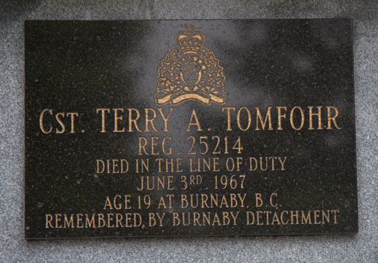 Photograph of the bronze plaque in honour of Constable Terry Tomfohr (Source of photo - Sheldon Boles).