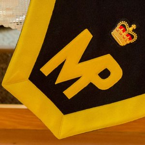 Photograph of the RCMP shamrock MP and Crown (Source of photo - Sheldon Boles).